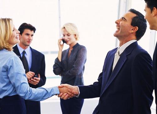Conversa no trabalho pode prejudicar carreiras